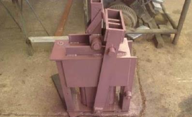 Пресс ручной для производста кирпичей 10